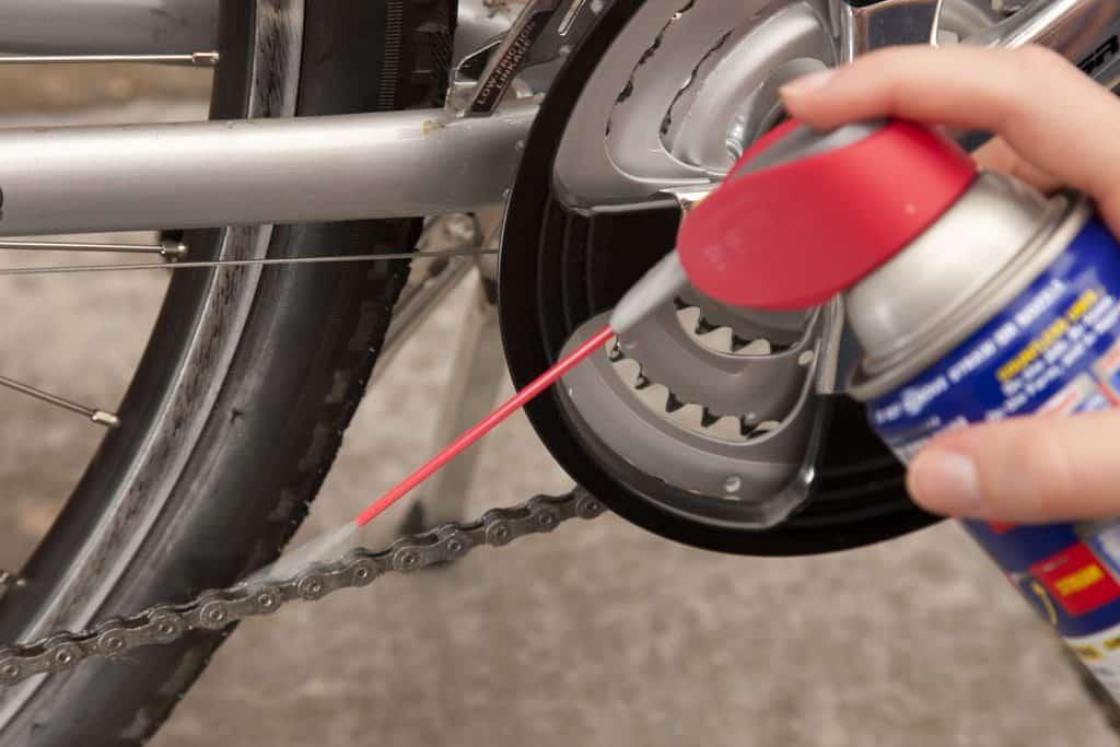 Using chain lube on road bike chain