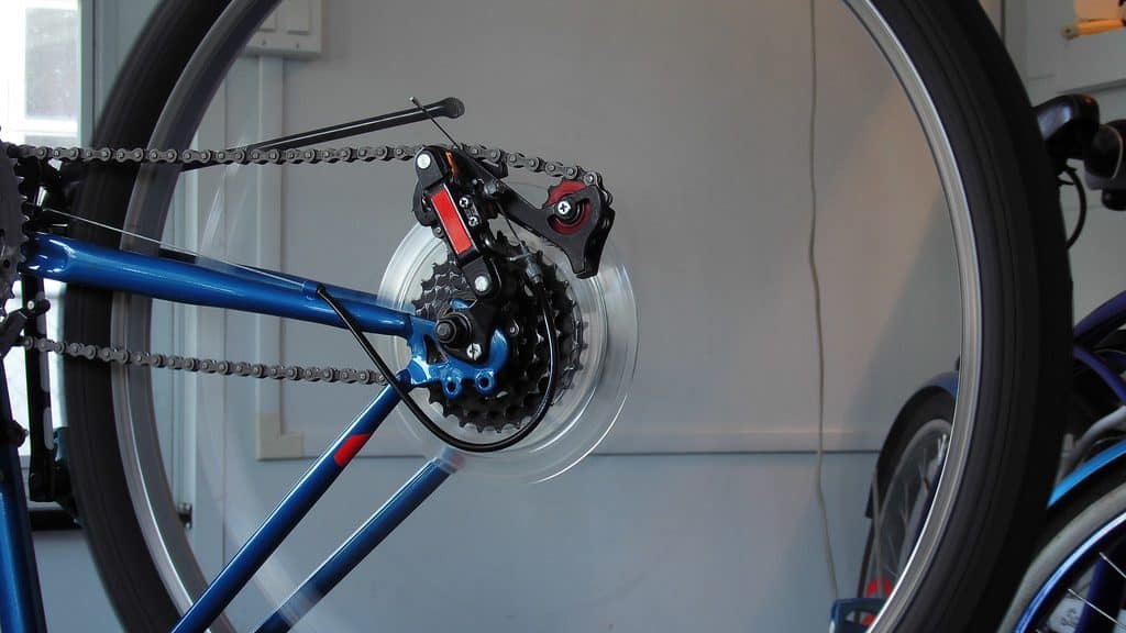 Inspect bicycle wheels
