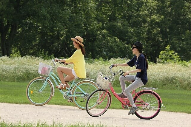 5 Best Bikes for Overweight Female (250-300 lbs.) (Jan, 2021)