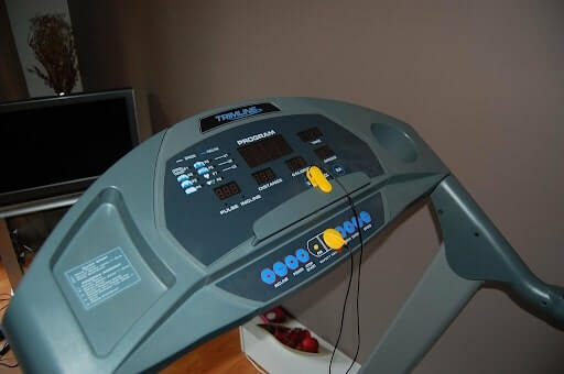 Safety mechanisms of an exercise machine