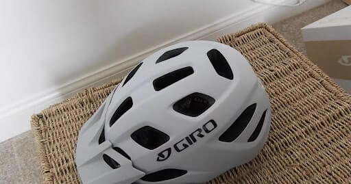 Giro Verona MIPS Womens Recreational Cycling Helmet