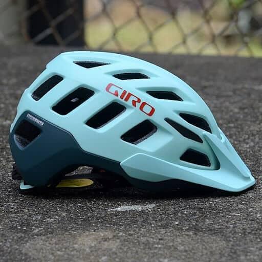MTB helmet with visor