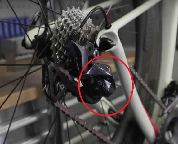 Road bike rear derailleur