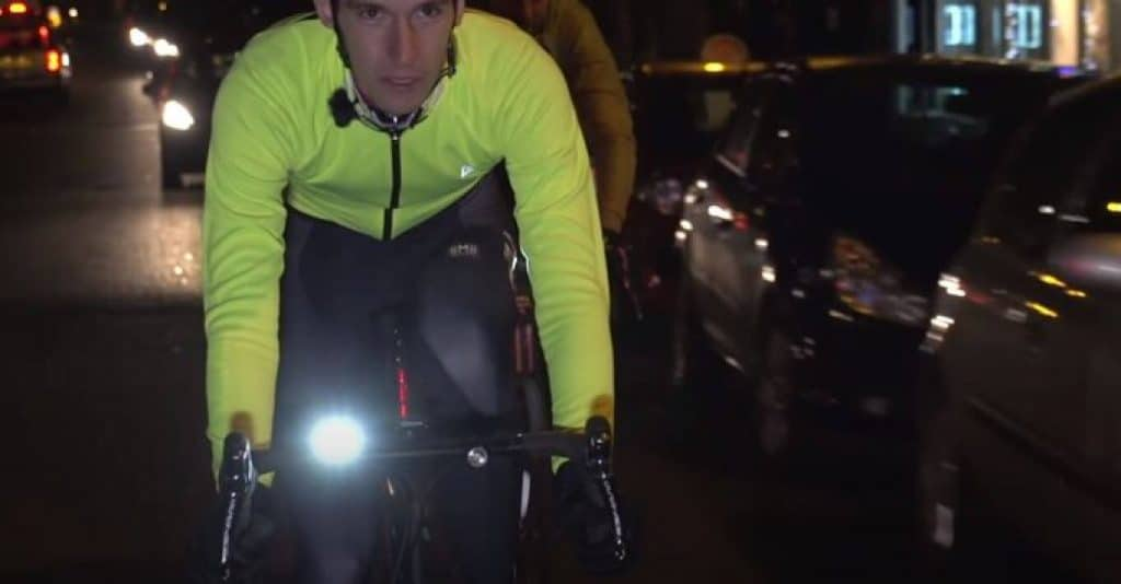 Biking-at-night-safety-1