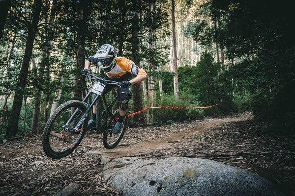 Enduro riding