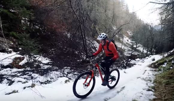 Ride your mountain bike in winter to burn more calories