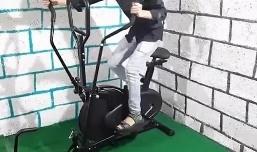Upright bike with moving arms
