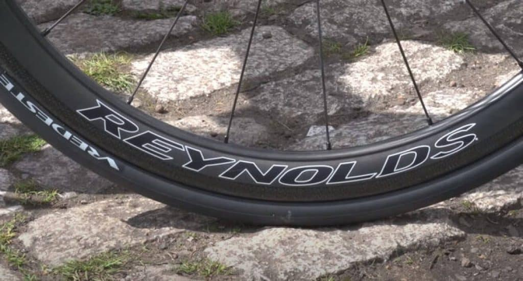 What-is-a-good-weight-for-road-bike-wheels-1-1