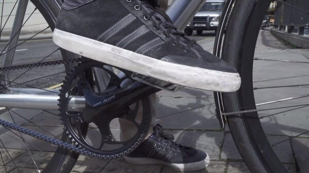 Cycling with non-cycling shoes