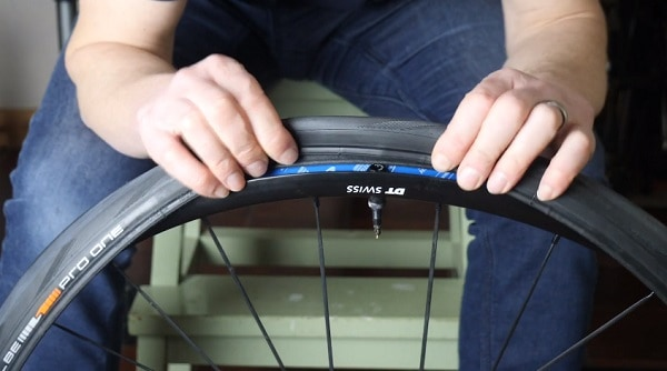 Tubeless tire setup