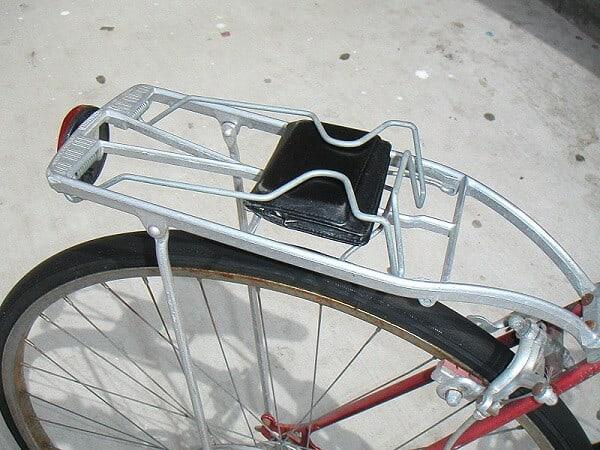 Rear bike rack with clamp